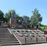 Архангельское. Братская могила советских воинов.