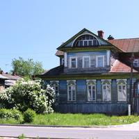Дом на Театральной улице
