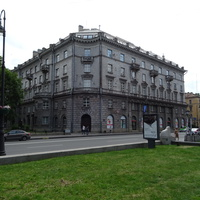 Каменноостровский пр., 25 Рентгена ул., 2
