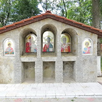 Иконостас у часовни Блаженной старицы Матроны Московской