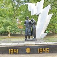 Памятник погибшим работникам предприятия «Запчасть»