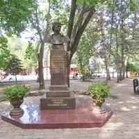 Памятник-бюст В.С. Высоцкому