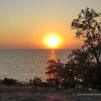Вид с Приморской набережной на Таганрогский залив