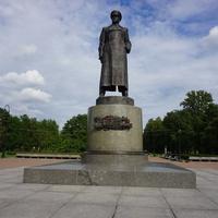 Памятник маршалу Жукову.