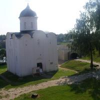 На территории Староладожской крепости. Храм Георгия Победоносца