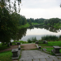 Спуск к реке Славянка от Павловского дворца.