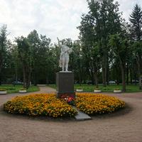 Павловск.Памятник воину победителю.Нет. табличек.