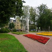 Павловск.Памятник К годовщине образования города.