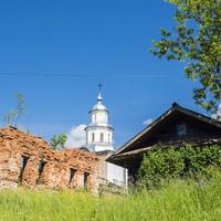 Церковь Казанской иконы Божией Матери в с. Сезенево Зуевского района
