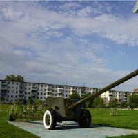 Бульвар Победы,  100 ММ противотанковая пушка