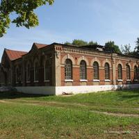 Здание детской юношеской спортивной школы на ул. Набережной