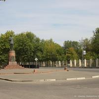 Памятник В.А. Дегтярёву на ул. Абельмана