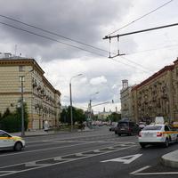 Перекресток Якиманского проезда и улицы Большая Полянка