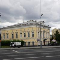 Бывший дом купцов Владимировых. Дом занимал бывший Мак-Банк.