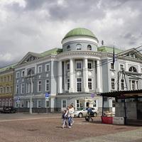 Кадашёвская слобода, новый дом 1999 года