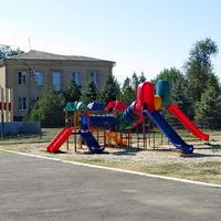 Детская площадка на центральной площади