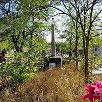 Братская могила воинов ВОВ на старом кладбище