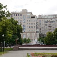 Репинский сквер