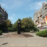 Памятник Александру Полю