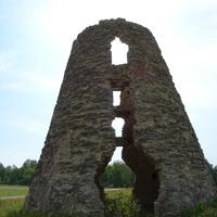 Развалины ветряной мельницы на окраине Йыхви