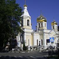 Ул. Короленко - Храм Cвятителей Московских