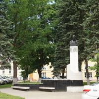 Памятник Ленину на Красногорской площади.