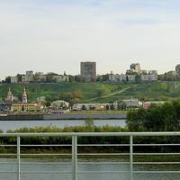 Вид на Нижне-Волжскую Набережную, ул. Рождественскую и Набережную Федоровского