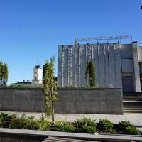 Здание кинотеатра Победа на проспекте  25 октября.