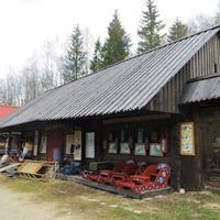 Антыбарская сельская лавка.