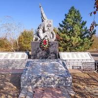 Братская могила воинов ВОВ и Гражданской