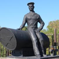 Дивноморское. Памятник военным морякам-катерникам.
