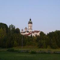 Град Лозница. Црква Покров Пресвете Богородице.