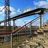 Пешеходный мост от станции Серов в район Завокзальный