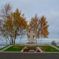 мемориальный комплекс в память о первой высадке десанта на Южном побережье Финского залива.