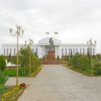 Здание администрации Автономной республики Каракалпакстан