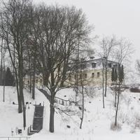 Бывшей резиденции графов Плятеров