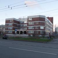 На проспекте Королёва.Стоматологическая клиника.