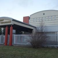 На Коломяжском проспекте.Институт медицинского образования.