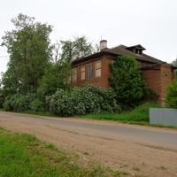 Бывшая Охонская школа.