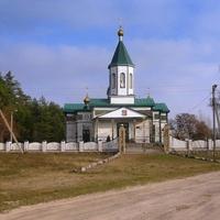 Дерев'яна церква Різдва Богородиці,  зведена у другій половині XVIII століття.