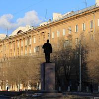 Памятник Ленину на улице Пушкинской
