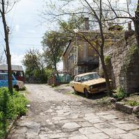 Улочка между жилыми домами