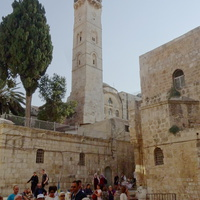 Возле Храма Гроба Господня
