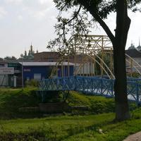 Пешеходный мост через реку Остер