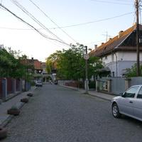 Улица в квартале от реки Хустец