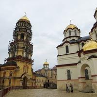 Ново-Афонский монастырь. Собор Пантелеимона и колокольня