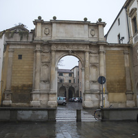 Триумфальная арка Валларессо