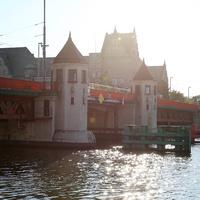Мост в городе