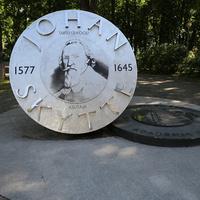 Памятник И.Шютте