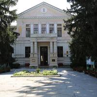 Академия музыки, театра и изобразительного искусства